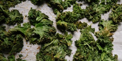 Chopped kale with nutritional yeast